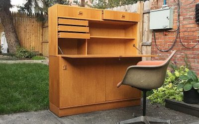Danish two piece fold down desk with key. #vintage #danish #danishdesk #danishdesign #spacious #shakespeare #loves #grass #locks #adjustable #shelves #clean #slidingdoors #2pieces #hermanmillerchair #midcenturyfurniture #midcenturydesk #midcenturystyle #dealers #design #interiordesigners #scandinaviandesign #hudsonvalley #brooklyn #nyc #13thfloormod #beaconny #13thfloor