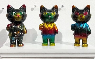 @maxtoyco painted these amazing Office Cats for #giftwrapped2017! So pretty! #cluttergallery #sofubi #airbrushed #designertoys #arttoy