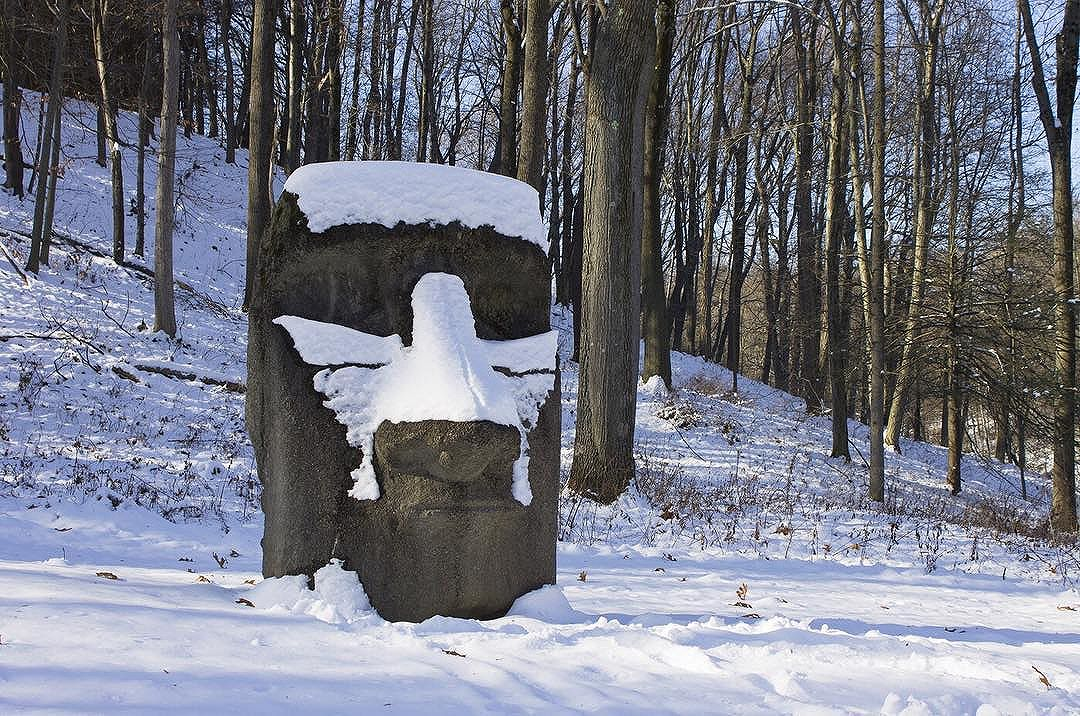 Visitors should experience in every season. Changing landscape and weather conditions can shape your experience with a sculpture. Explore the winter landscape during our winter weekends —  January 20 & 21,  February 24 & 25, and  March 10 & 11. ️